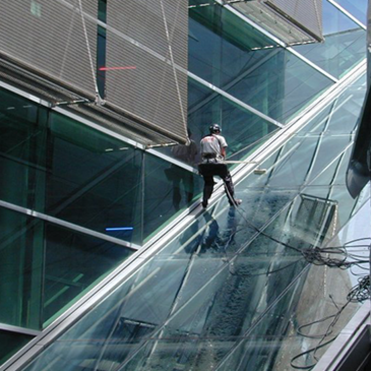 151102 Cleaning Maintenance Exterior Interior window cleaning